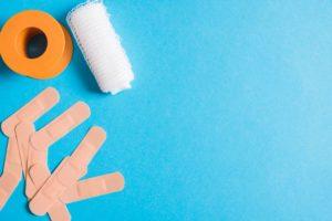 Plastry, bandaż i taśma