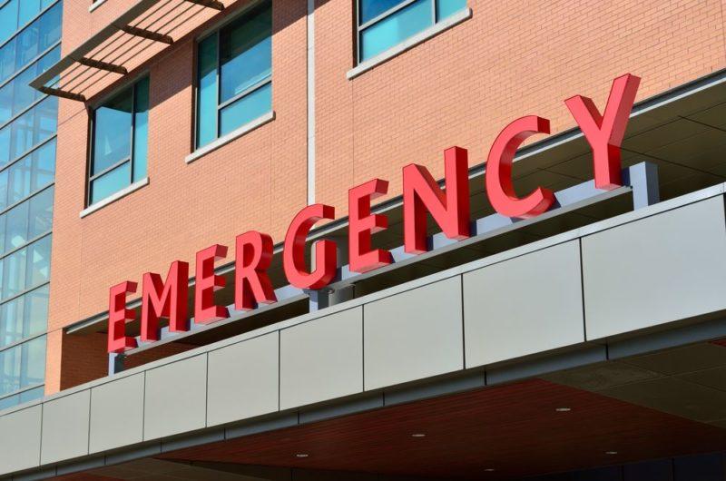Wejście do szpitala